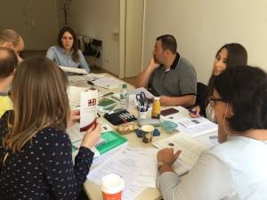 Éxito del taller de redacción de currículums para hispanohablantes